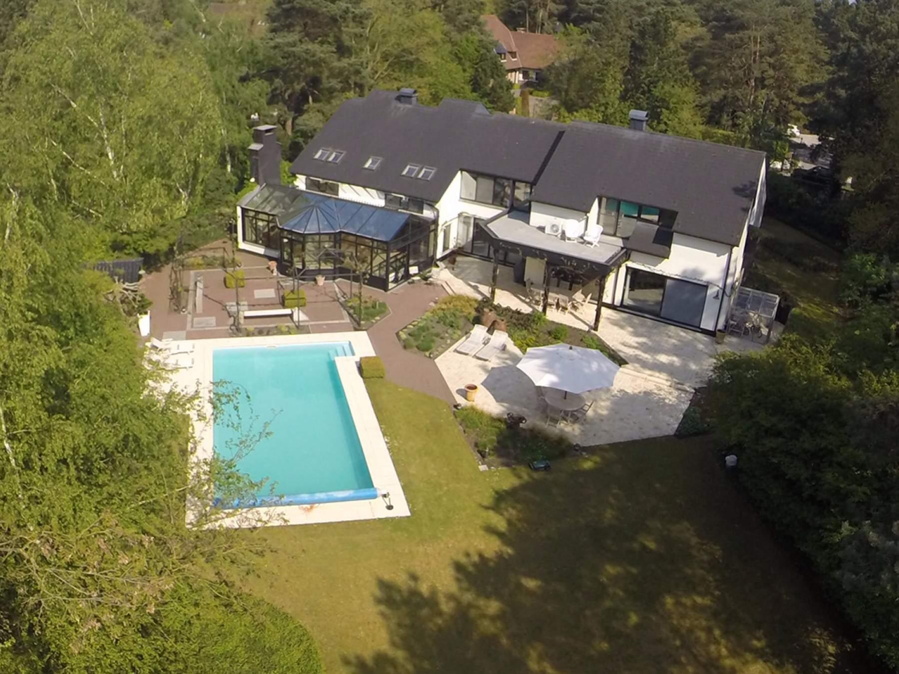 Exclusive Housing - Zeer ruime exclusieve villa met zwembad, aan ...